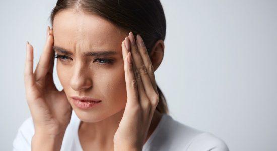 【図解つき】今すぐ頭痛を和らげたい時のお助けマッサージ3種
