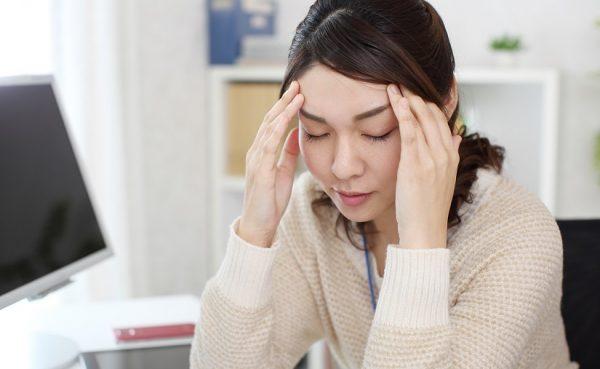 頭痛の原因はほぼ肩こり!原因・解消方法・その他の頭痛も徹底解説