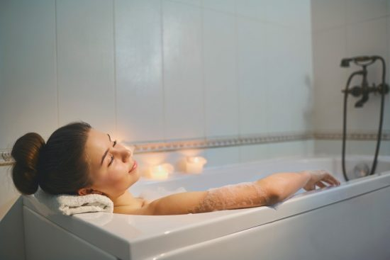 入浴シーン