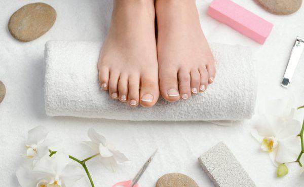 足の角質をサクッ!と除去するフットケアの方法/セルフ編とサロン編